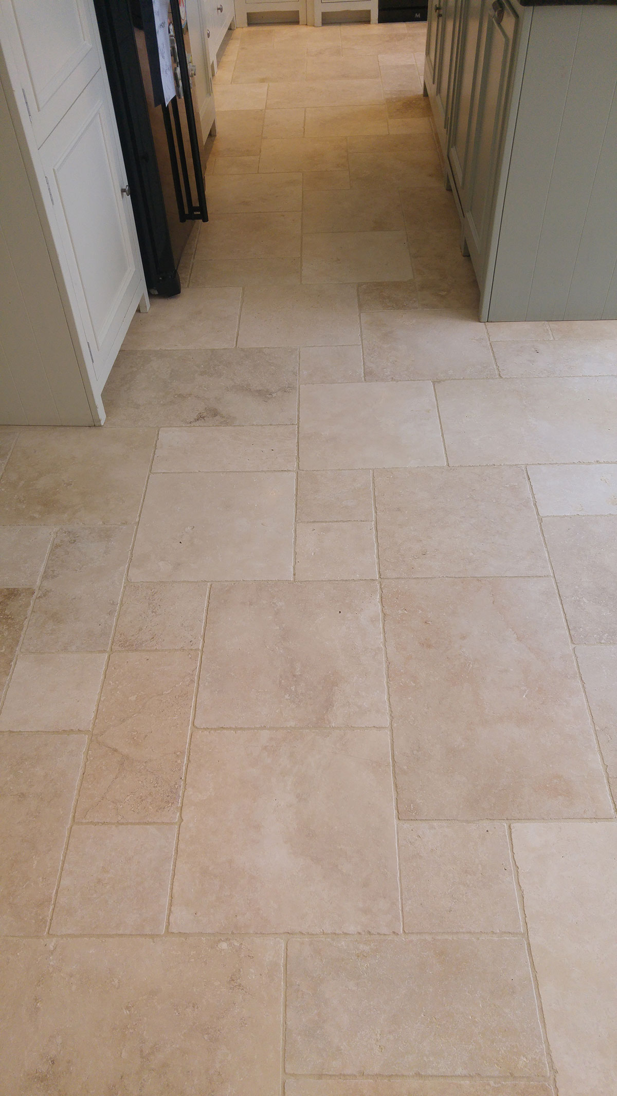 travertine use tumbled for this look elegant jpeo floor fascinating tiles flooring com ideas kitchen